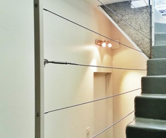 Escalier béton et garde-corps en câbles acier